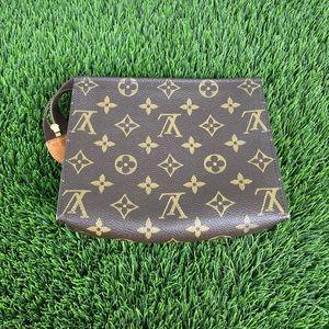Louis Vuitton Bags - Louis Vuitton toiletry 19